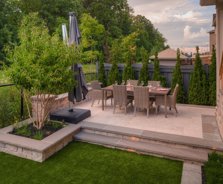 Backyard Landscaping Oakville : Patios oakville burlington landscaping